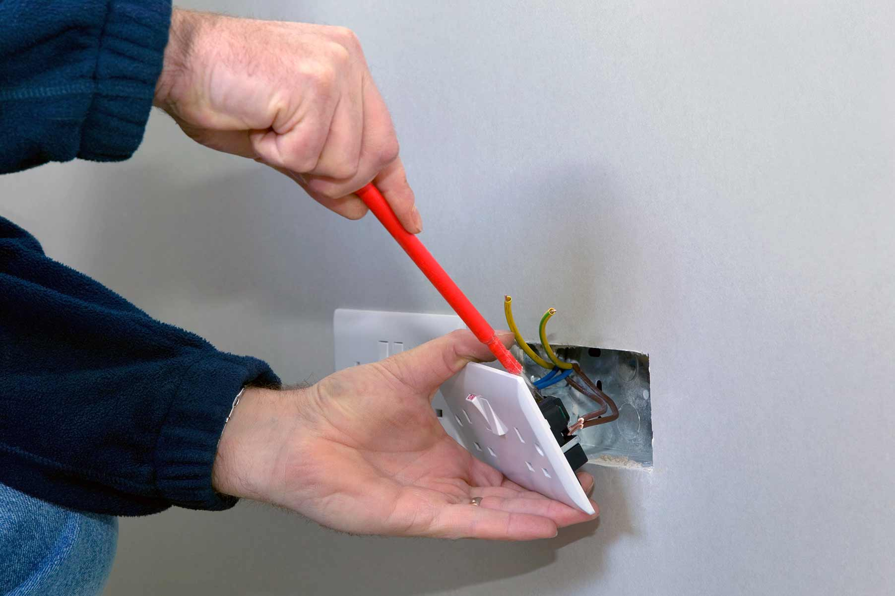 Our electricians can install plug sockets for domestic and commercial proeprties in Redbridge and the local area.